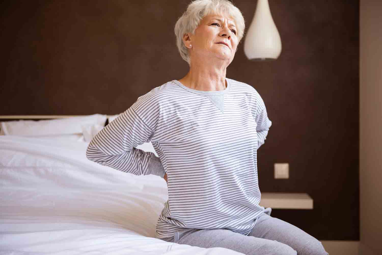 Les douleurs dans les muscles sont un des symptômes de la sclérose en plaques