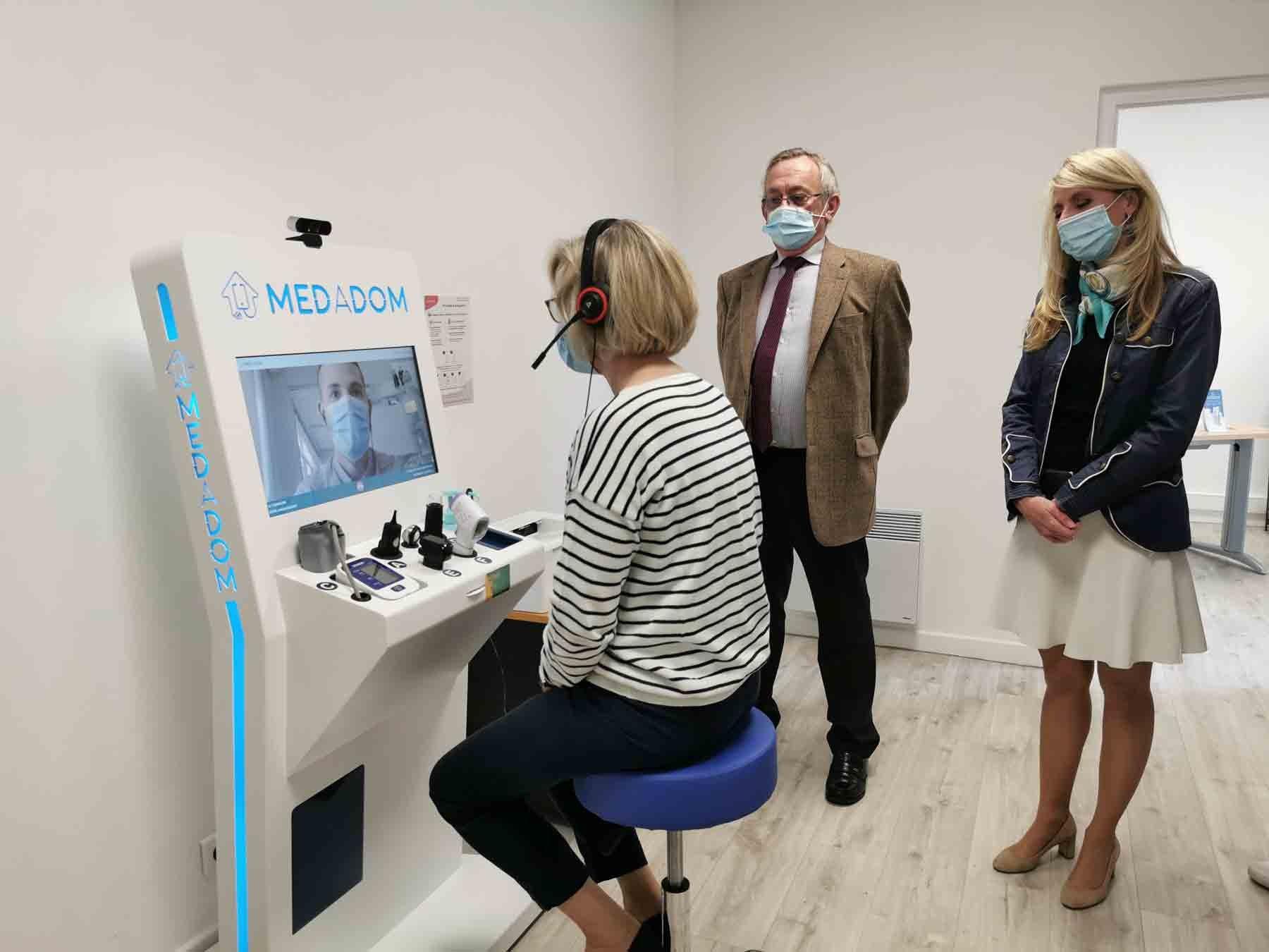 Une borne connectée MEDADOM a trouvé place à Reuilly (36) pour compléter l'offre médicale.
