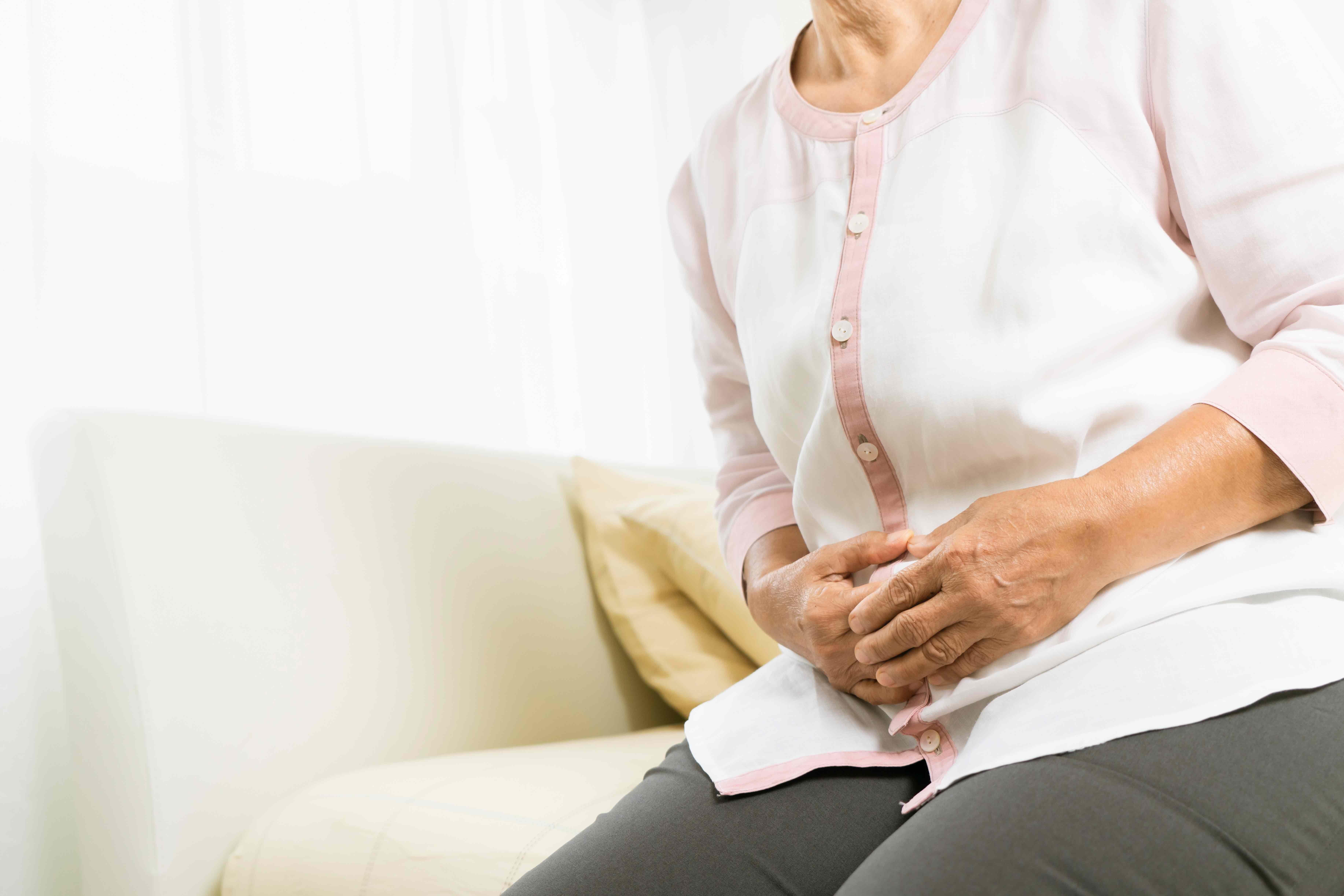La gastro-entérite peut provoquer des crampes abdominales