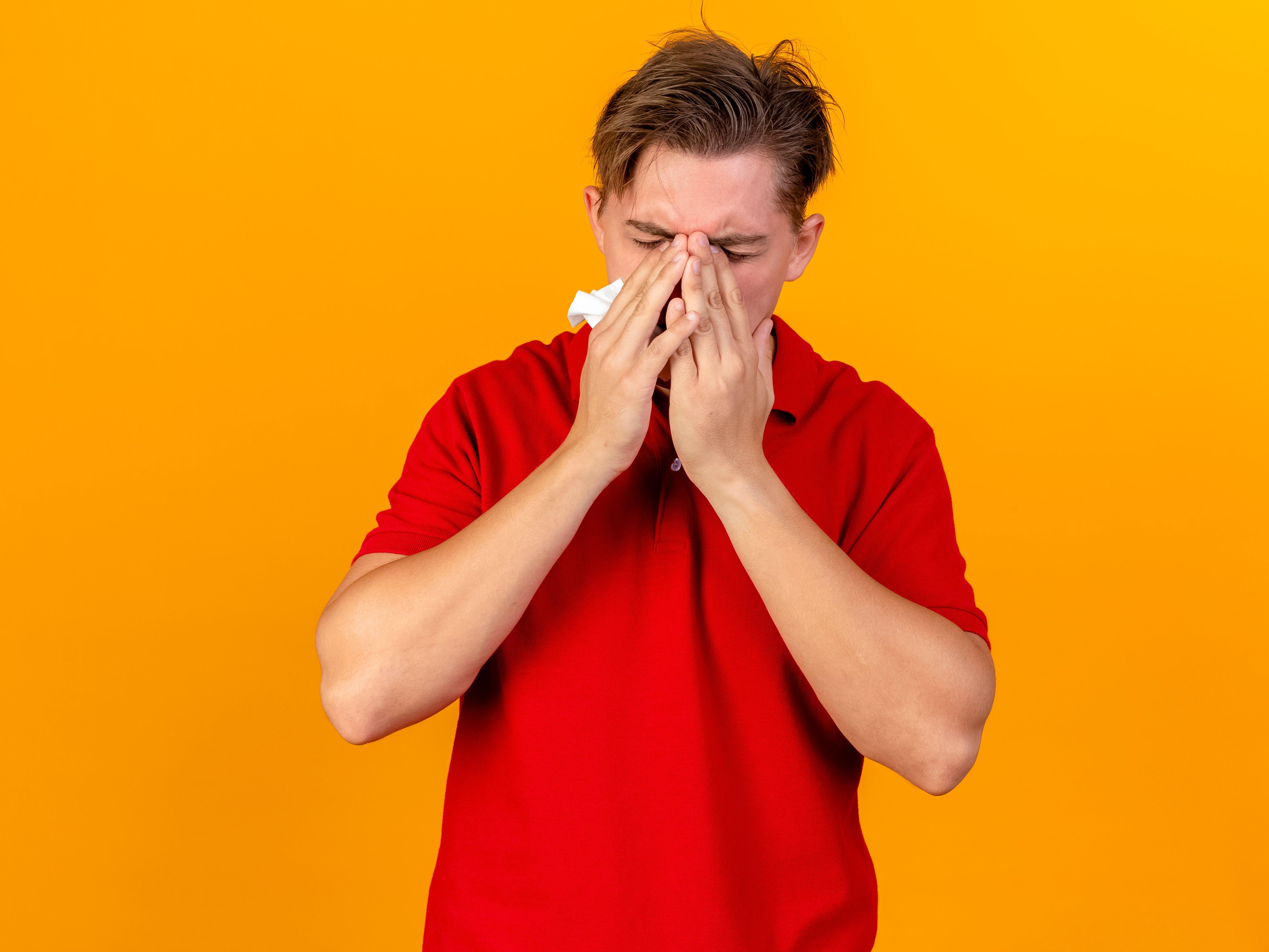 Les symptômes de la migraine opthalmique peuvent être intenses